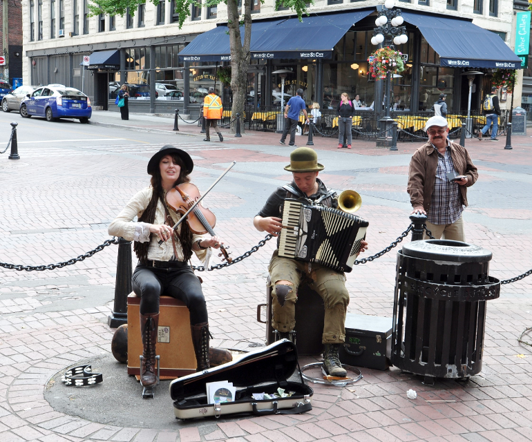 Street musicians Vancouver #streetphotography