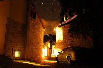 night house stone car sky